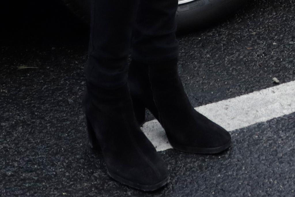 brigitte macron, emmanuel macron, france, first lady, jeans, blazer, boots, style, paris