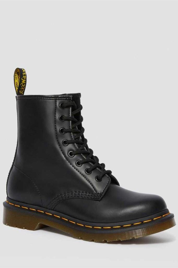 dr. martens 1460 boots, black combat boots, dr. martens