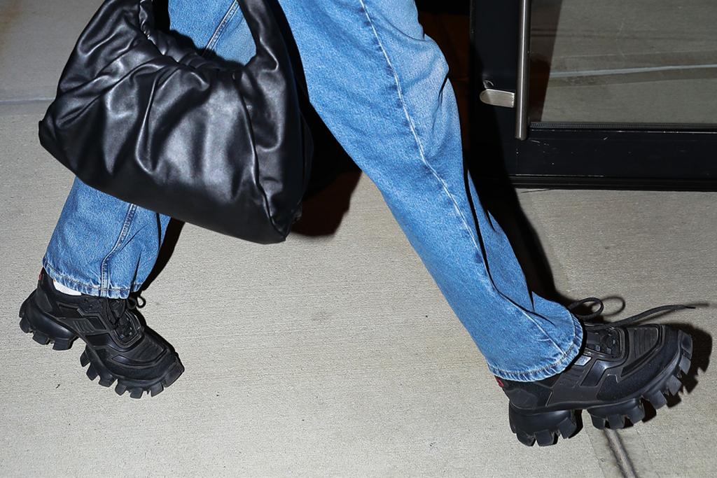 dua lipa, sneakers, prada, jeans, 1990s, shirt, marc jacobs, bottega veneta, purse, thong, whale tail