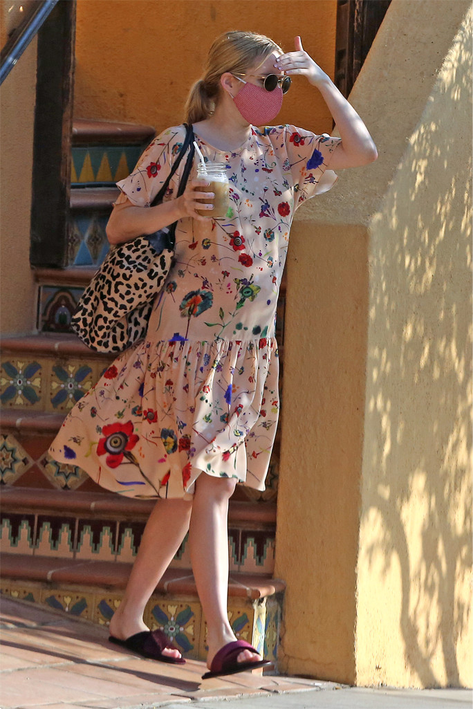 emma roberts, emma roberts maternity style, emma roberts october 2020