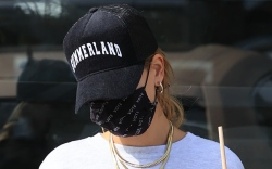 hailey baldwin, shorts, sweatpants, sweatshirt, hat,