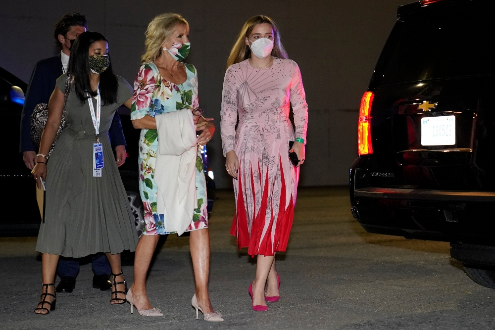 jill biden, dress, floral, mask, heels, presidential debate