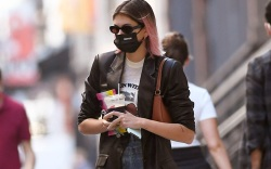 kaia gerber, new balance, sneakers, dad