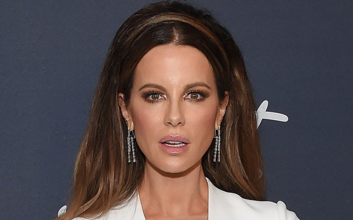 kate-beckinsale-white-dress