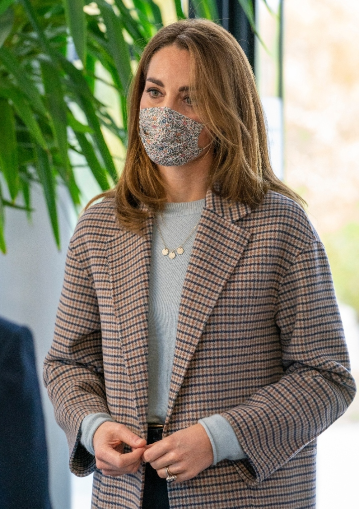 kate middleton, coat, sweater, pants, university of derby, england, duchess, massimo dutti