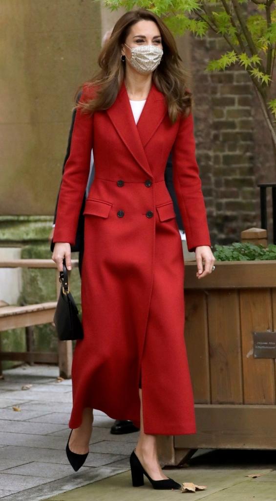 kate middleton, coat, red, dress, black, white, heels, pumps, gianvito rossi, shoes, london, hospital