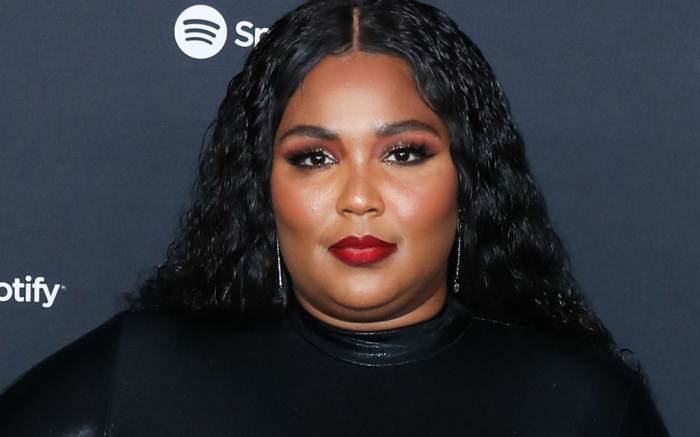 lizzo-dress-shorts