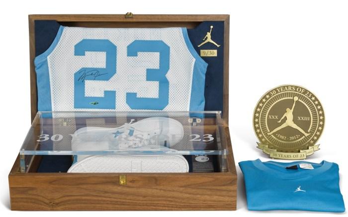 2012 Michael Jordan Converse Commemorative Pack