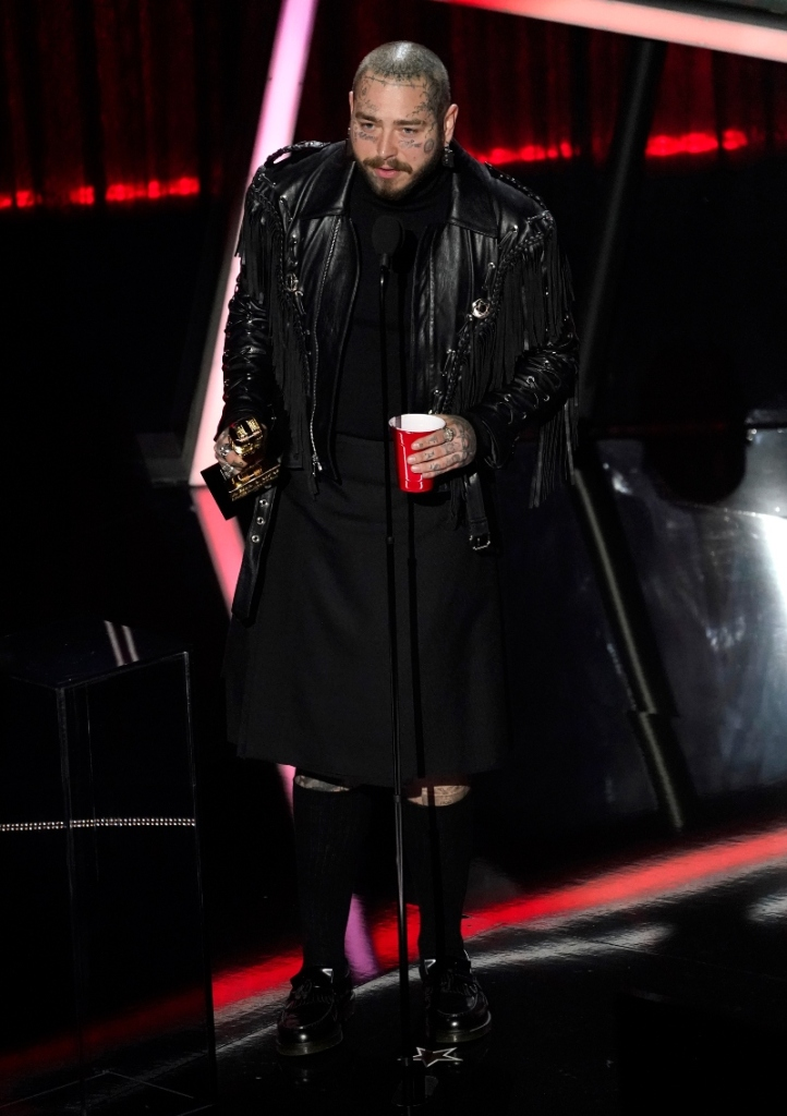 post malone, skirt, shoes, socks, jacket, billboard, bbmas, music awards, 2020