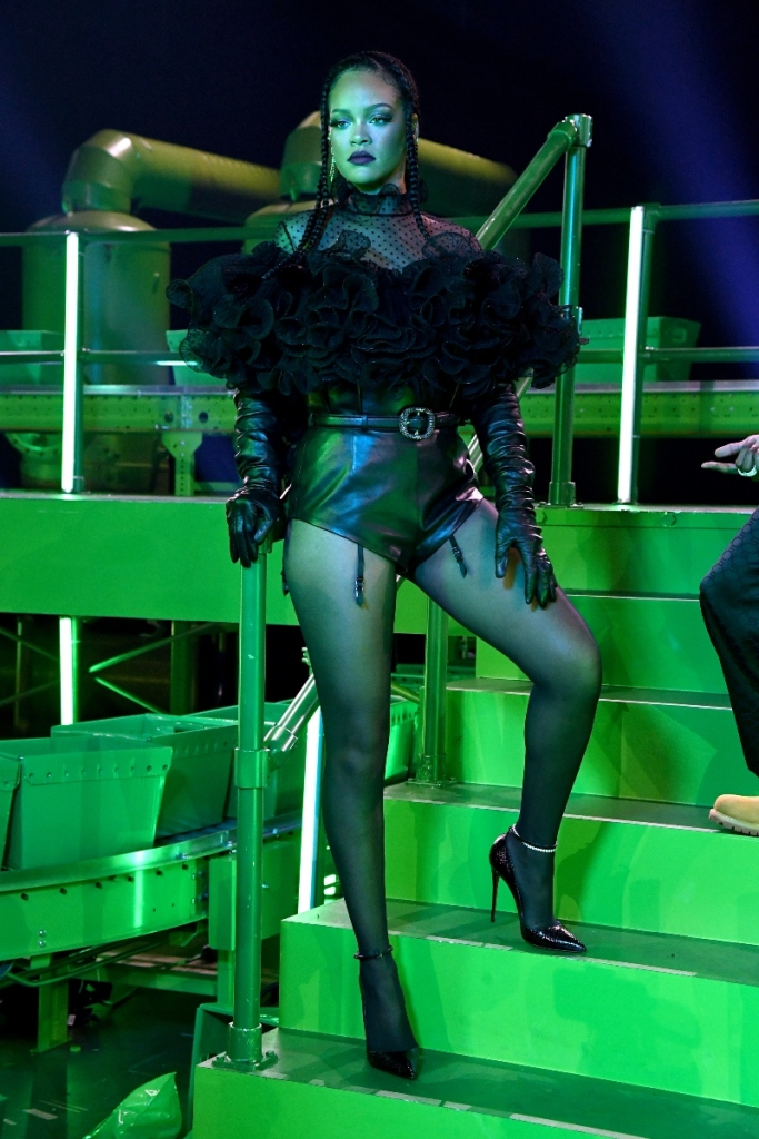 rihanna, savage x fenty, show, vol 2, 2020, heels, tights, shorts, shirt, set