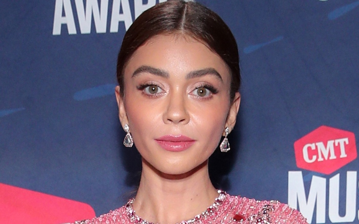 sarah-hyland-cmt-awards-dress