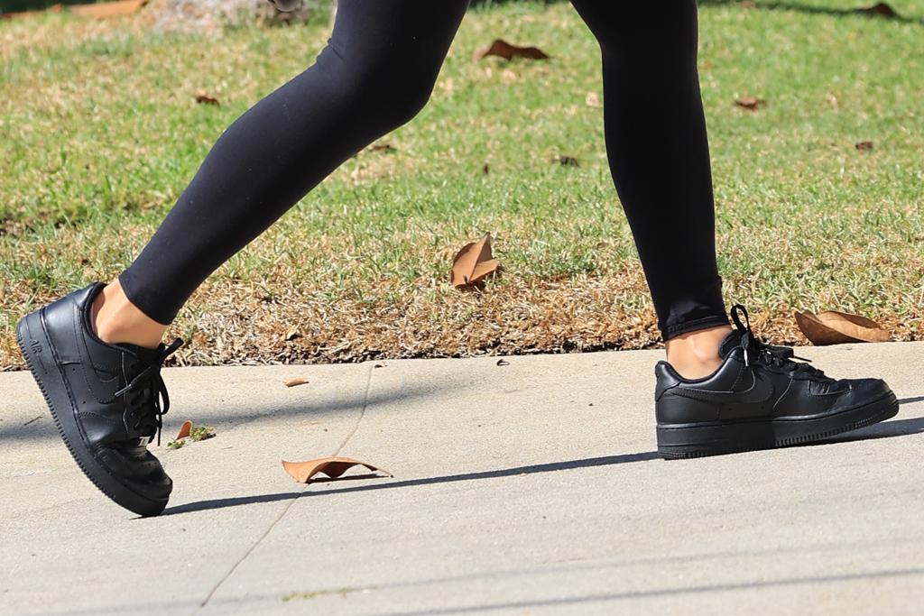 sofia richie, leggings, sports bra, workout, los angeles, nike, sneakers