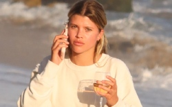 sofia richie, sweatpants, heels, style, sweater