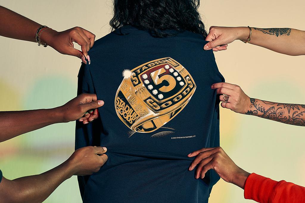 Stadium Goods 5th Anniversary Ring long-sleeved T-shirt