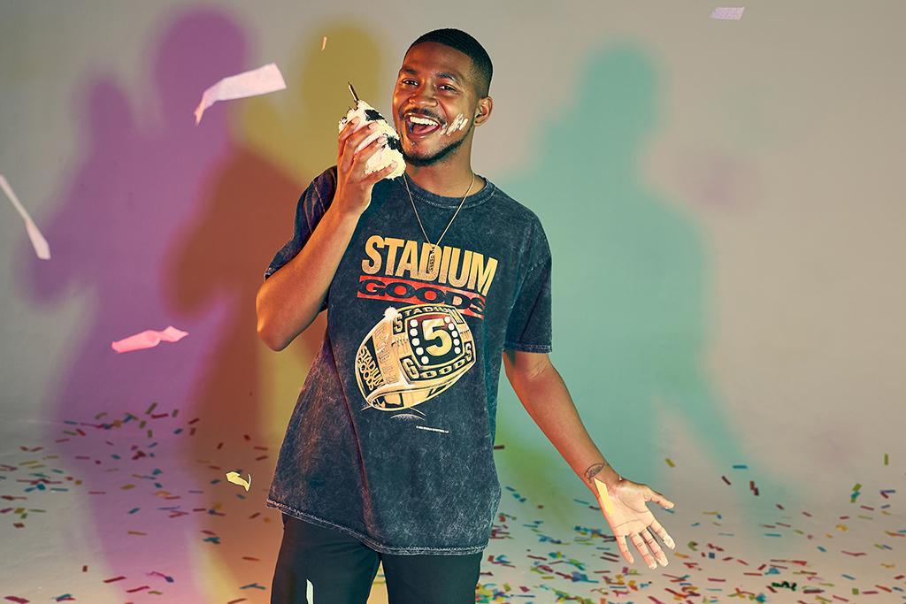 Stadium Goods 5th Anniversary Ring short-sleeved T-shirt