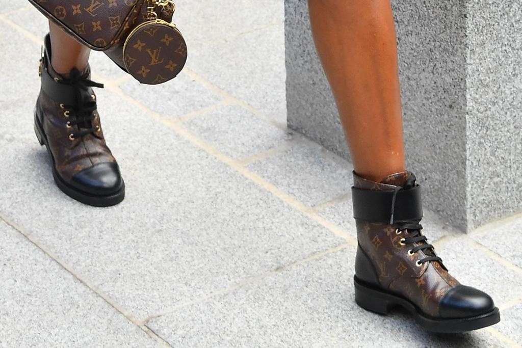 venus williams, boots, louis vuitton, jacket, dress, boots, spring 21, show, paris fashion week