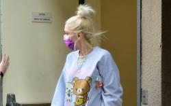 A newly engaged Gwen Stefani steps