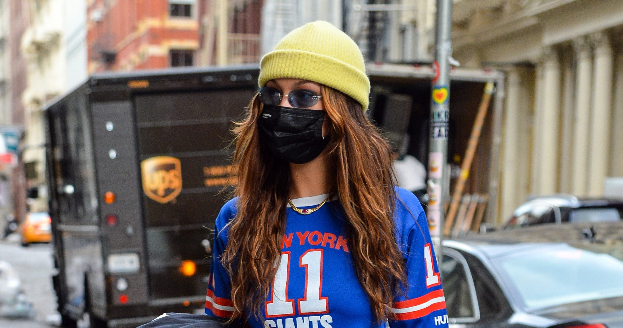 Bella Hadid Goes Retro In New York Giants Jersey And Black Sneakers Footwear News
