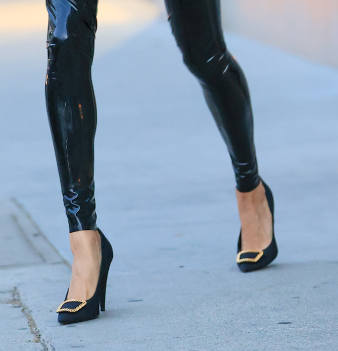 Hailey Bieber dons a black latex YSL outfit As she visits stylist Maeve Reilly's office. MANDATORY BYLINE RACHPOOT/MEGA. 20 Nov 2020 Pictured: Hailey Bieber dons a black latex YSL outfit. Photo credit: Rachpoot/MEGA TheMegaAgency.com +1 888 505 6342 (Mega Agency TagID: MEGA716398_003.jpg) [Photo via Mega Agency]