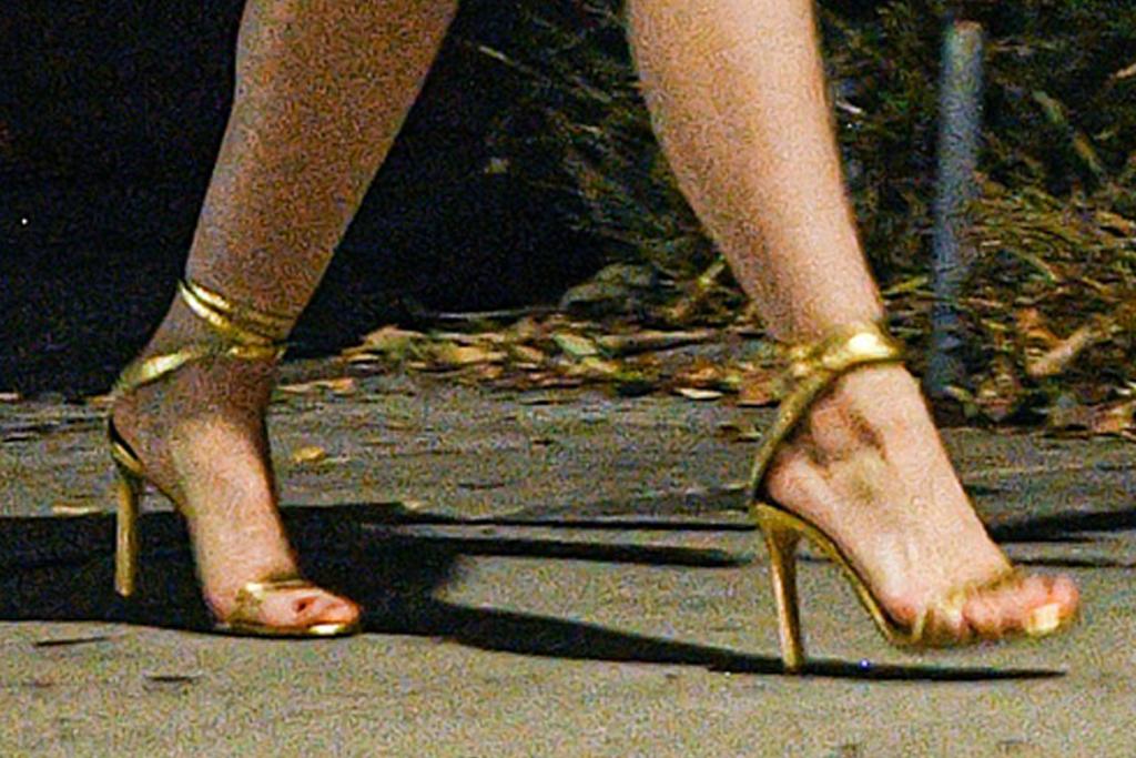 ariel winter, dress, sundress, red, gold heels, sandals, boyfriend, Luke Benward