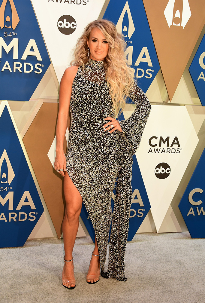 """THE 54TH ANNUAL CMA AWARDS - """"The 54th Annual CMA Awards"""", hosted by Reba McEntire and Darius Rucker aired from Nashville's Music City Center, WEDNESDAY, NOV. 11 (8:00-11:00 p.m. EST), on ABC. (ABC)CARRIE UNDERWOOD"""