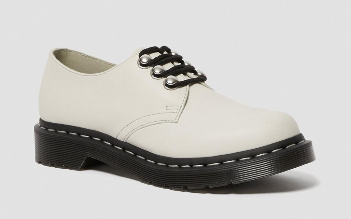 dr-martens-white-oxford