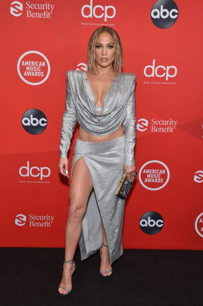 """THE 2020 AMERICAN MUSIC AWARDS - """"The 2020 American Music Awards"""", hosted by Taraji P. Henson aired from the Microsoft Theater in Los Angeles, SUNDAY, NOV. 22 (8:00-11:00 p.m. EST), on ABC. (ABC)JENNIFER LOPEZ"""