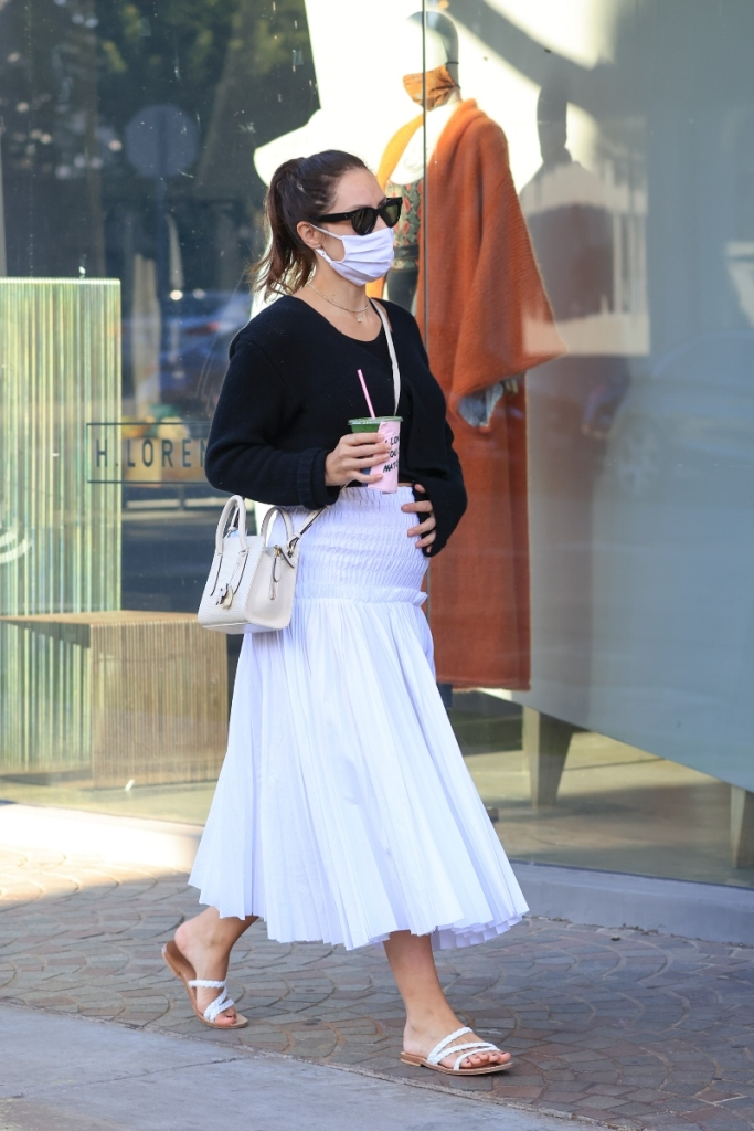katharine mcphee, skirt, shirt, sandals, pregnant, baby bump, david foster
