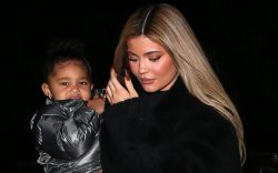 Billionaire Mom, Kylie Jenner takes daughter
