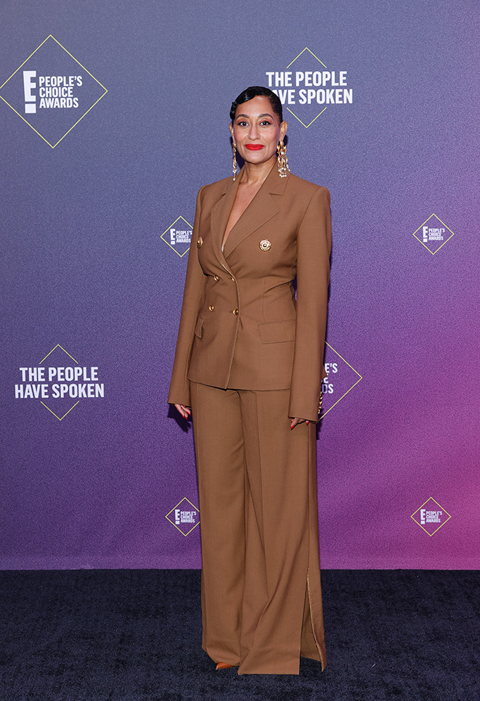 Santa Monica, CA - November 15, 2020 E!  PEOPLE'S CHOICE AWARDS - In this image, published on November 15, Tracy Ellis Ross arrives at 2020 E!  People Choice Awards, held at Barker Hangar in Santa Monica, California and broadcast on Sunday, November 15, 2020 (Photo: Rich Polk / E! Entertainment / NBCU Photo Bank via Getty Images)