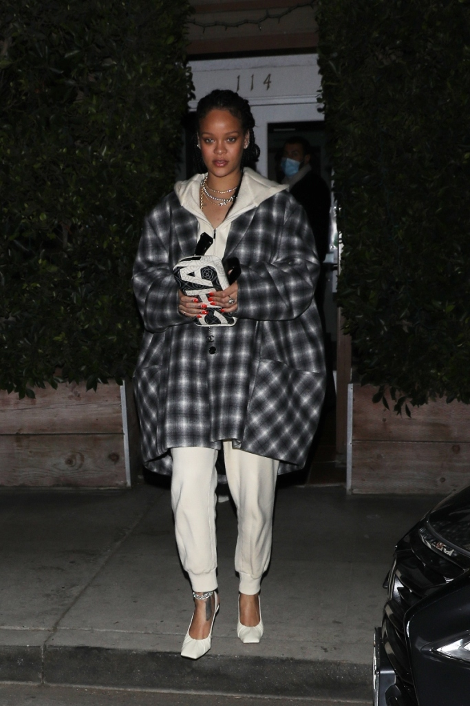 rihanna, sweatpants, sweatshirt, hoodie, flannel, heels, fenty, amina muaddi, white, california, anklet