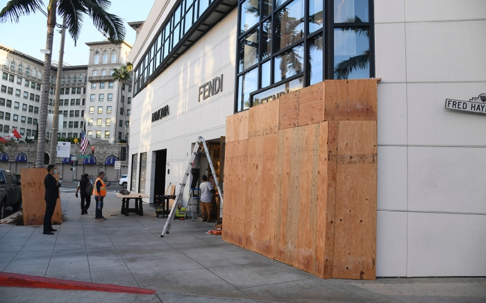 fendi, rodeo drive boarded up