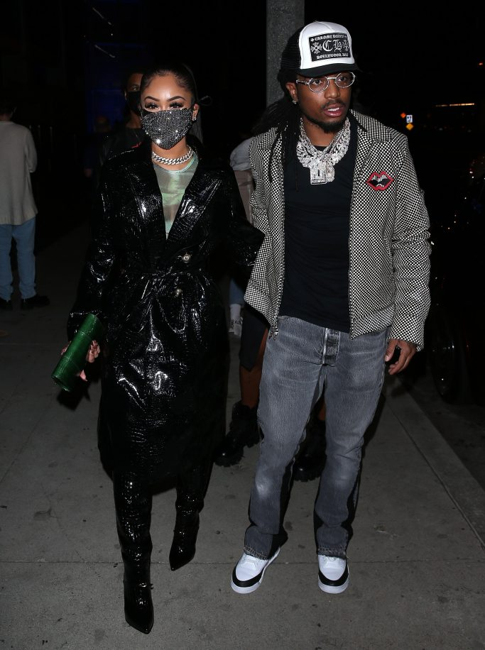 Singer Saweetie and Quavo arrive for dinner at BOA Restaurant in Beverly Hills, CA Quavo was signing a Bobblehead for a fan. 16 Nov 2020 Pictured: Saweetie, Quavo Honcho. Photo credit: MEGA TheMegaAgency.com +1 888 505 6342 (Mega Agency TagID: MEGA715446_001.jpg) [Photo via Mega Agency]