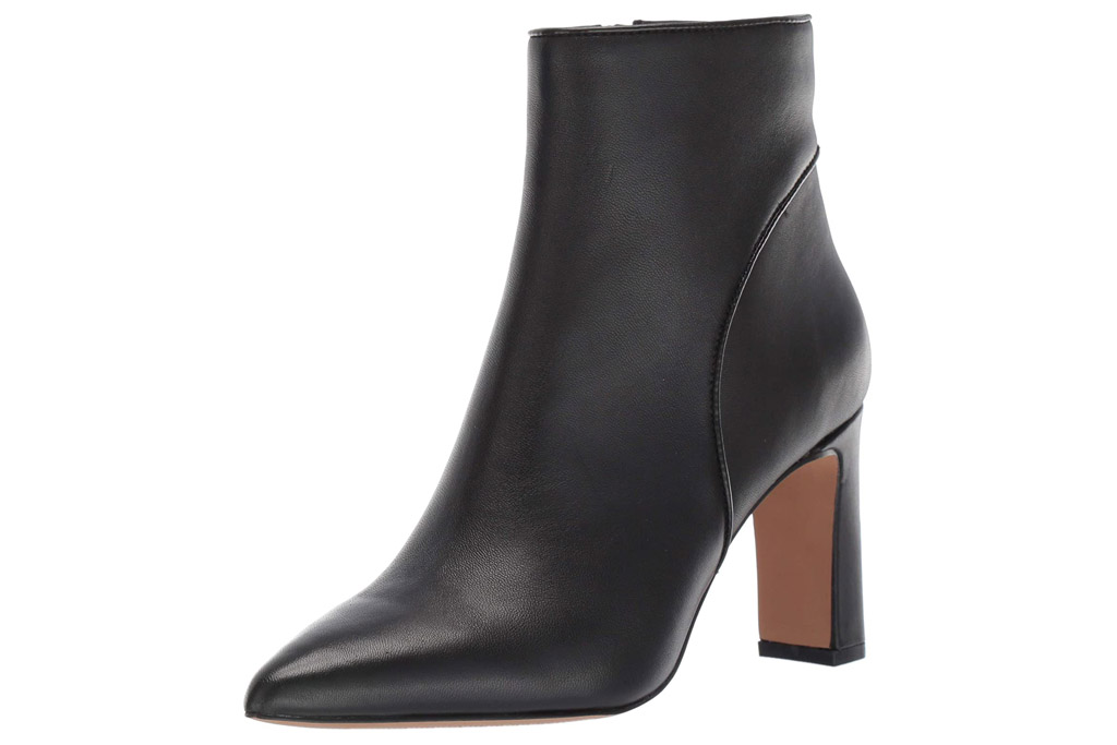 boots, black boots, heeled, pointed toe, steve madden
