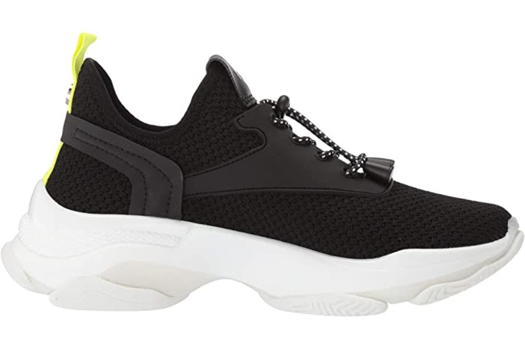 chunky sneaker, steve madden sneaker, black chunky sneaker