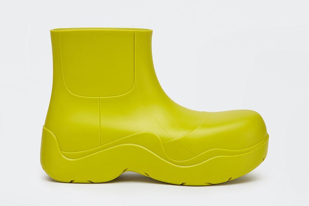 bottega veneta, bottega veneta puddle boots, fall 2020, 2020 boot trends, boot trends, shoe trends, shoe trends 2021