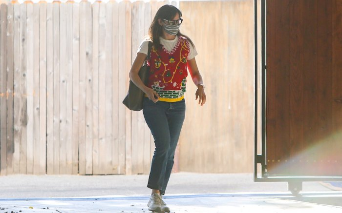 Jennifer Garner festive sweater