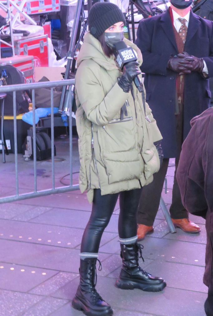 Lucy Hale arrives in diferent outfit at Times Square New Year's Eve rehearsalsPictured: Lucy Hale Ref: SPL5204848 311220 NON-EXCLUSIVE Picture by: Rick Davis / SplashNews.com Splash News and Pictures USA: +1 310-525-5808 London: +44 (0)20 8126 1009 Berlin: +49 175 3764 166 photodesk@splashnews.com World Rights, No Romania Rights