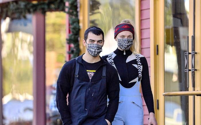 EXCLUSIVE: Joe Jonas & wife Sophie Turner enjoy the snow in Mammoth Lakes, CA.