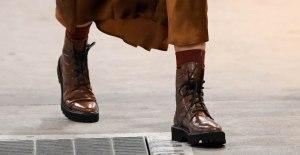 A closer look at Jessica Alba's combat boots