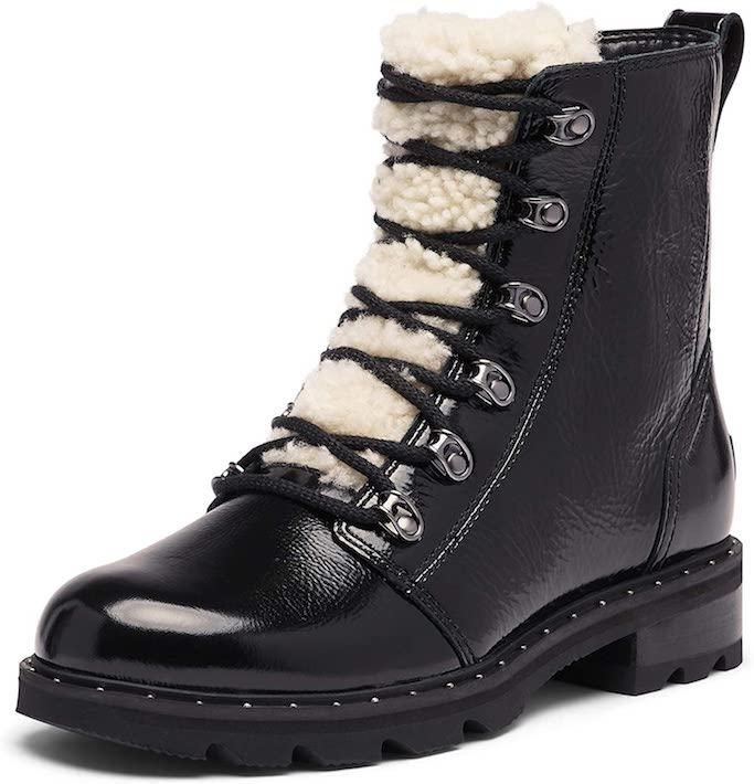 ariel-winter-ugg-boots-short-black-trader-joes-grocery-la