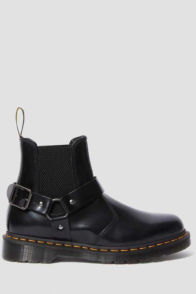 dr. marten boot, bella hadid boot, buckle boot