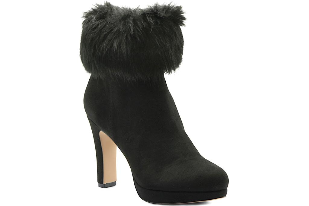 black boots, fur, adrienne vittadini