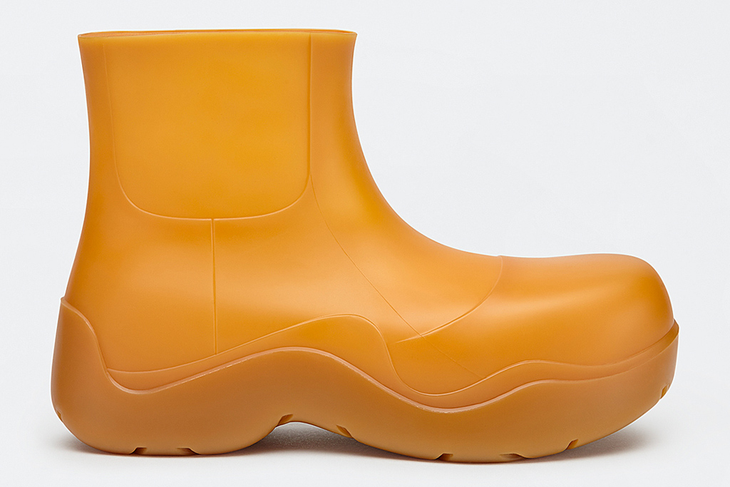 bottega veneta, rain boots, puddle, orange