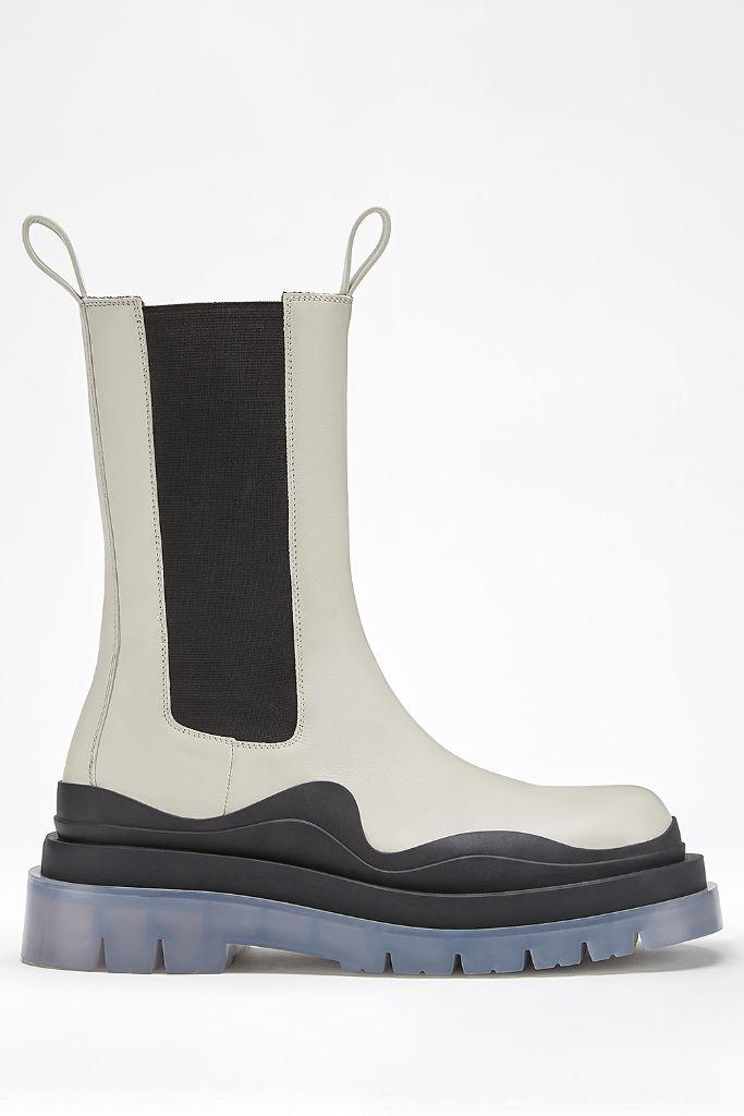 bottega veneta, bottega veneta tire boots, tire boots, lug sole boots, boot trends, 2021 boot trends, 2021 trend, 2020 boot trends, fashion trends, 2021 fashion trends