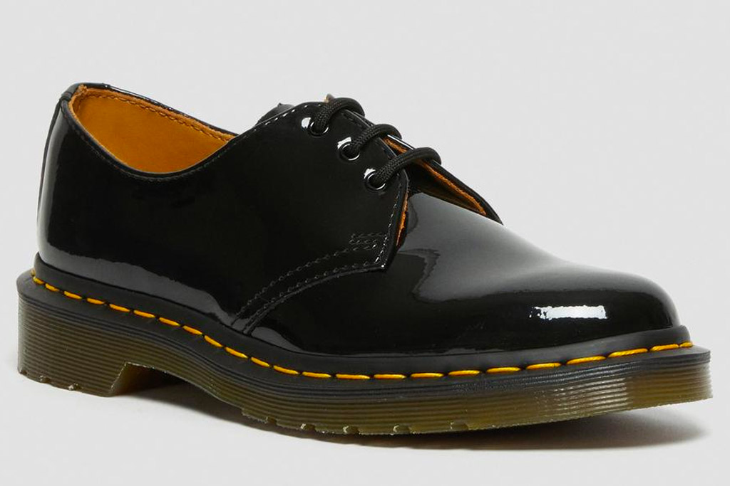 oxfords, brogues, glossy, black, dr martens