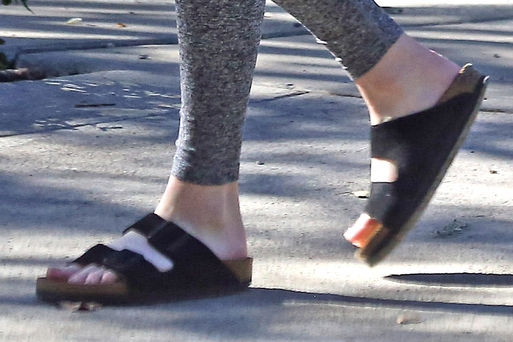 emma roberts, leggings, blazer, pregnant, sandals, slides, shoes,