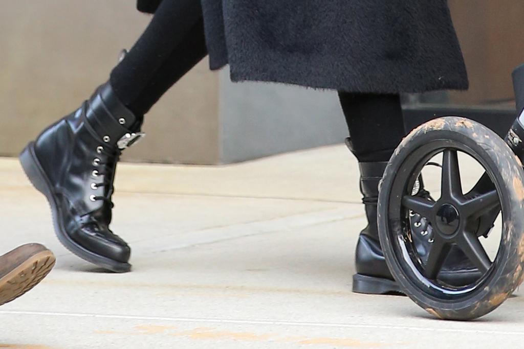 gigi hadid, coat, leggings, jeans, boots, combat boots, hat, baby, new york