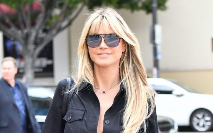 """Heidi Klum wears a necklace with her husband's name """"TOM"""" on it"""