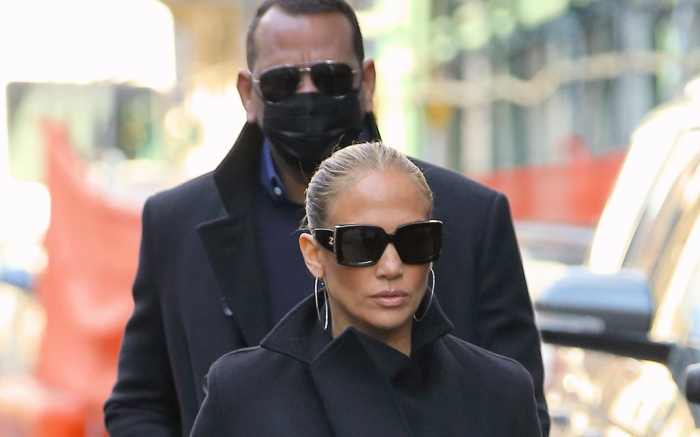 jennifer-lopez-coat-alex-rodriguez